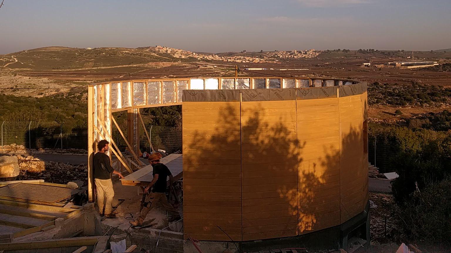 או בקתה מונגולית בנייה של בית מונגולי